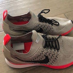 Nike Air Zoom Mariah Flyknit Racer String size8.5